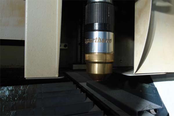 camyfer-snc-galleria-taglio-plasma-conto-terzi-macchinari